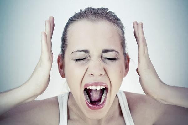 Потеря голоса при ларингите причины симптомы лечение