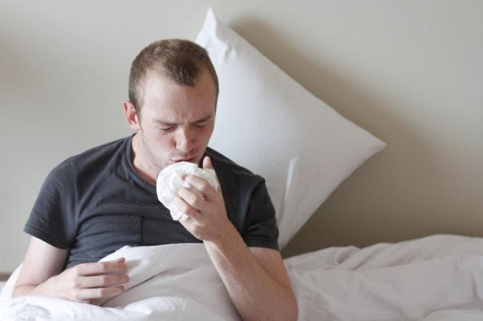 Внезапный кашель у взрослого что это