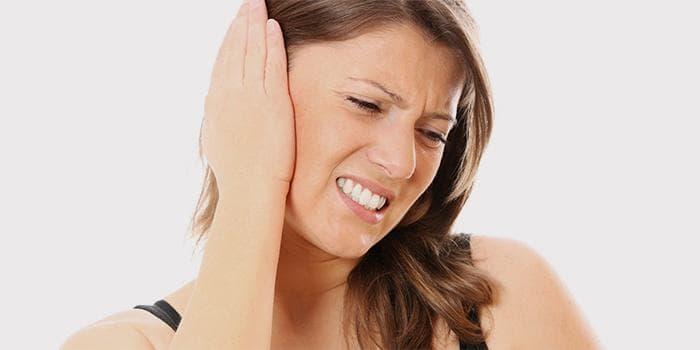 После промывания носа заболело ухо: что делать если попала вода и заложило ухо