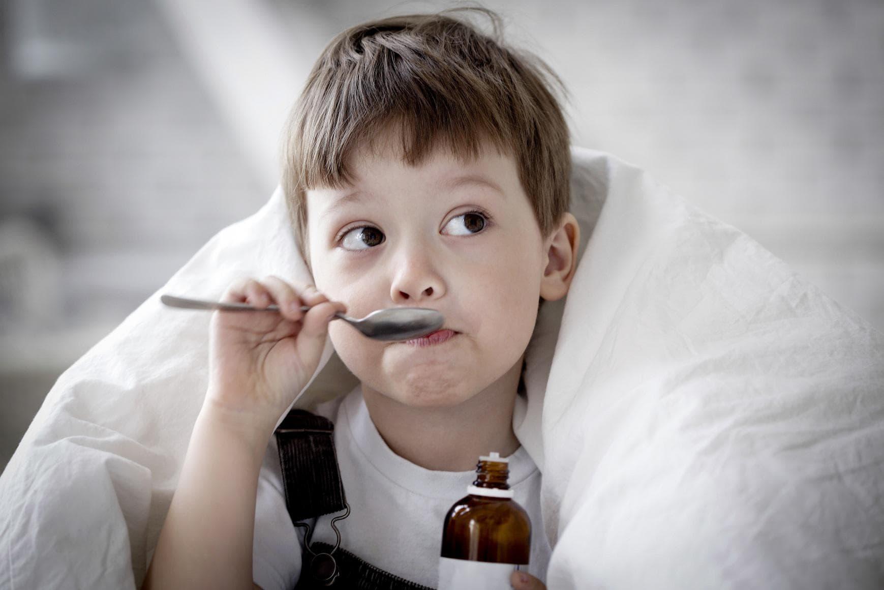 Чем лечить кашель у ребенка в 3 года