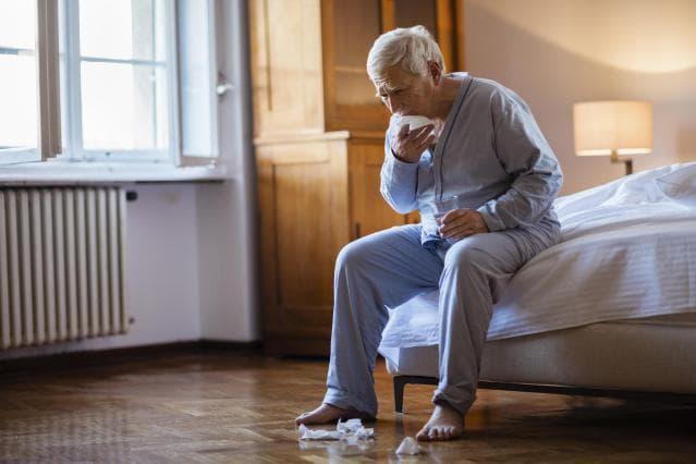 Очень сильный кашель у детей и взрослых: причины, лечение, что делать?