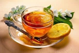 горячий чай с мёдом и лимоном