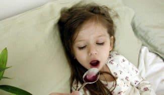 приступ кашля ночью у ребенка