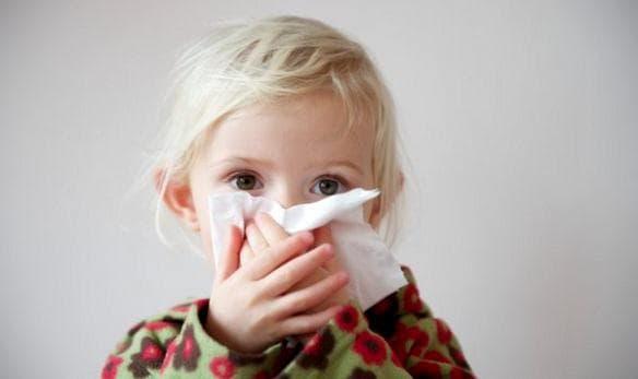 Как снять приступ кашля у ребенка