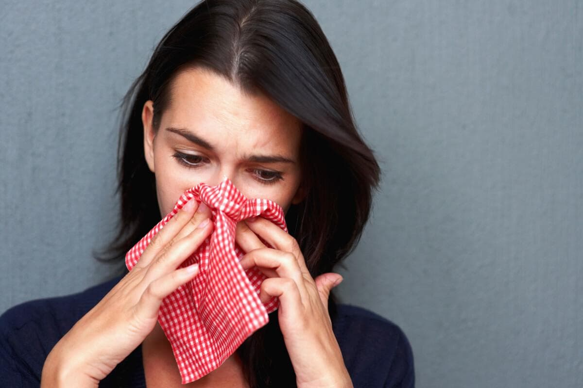 Выделения из носа с кровью