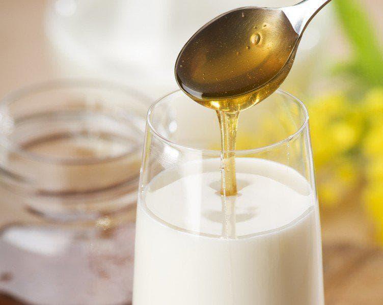 Как приготовить молоко с медом от кашля