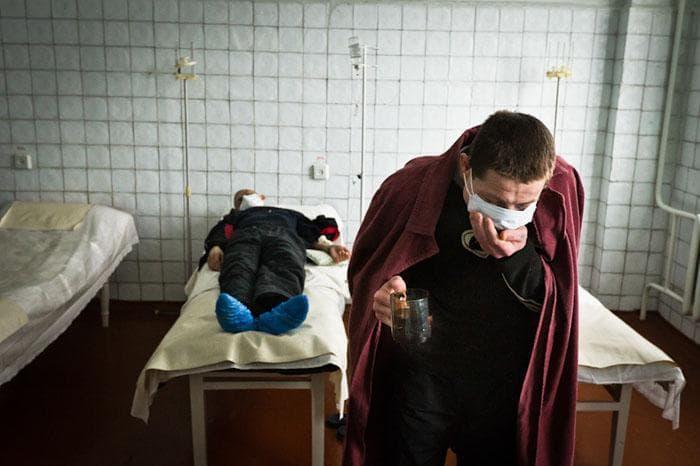 Как заражаются туберкулезом легких – можно ли заразиться от больного человека на улице