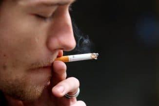 курение провоцирует развитие астмы